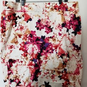 Flowered pencil skirt